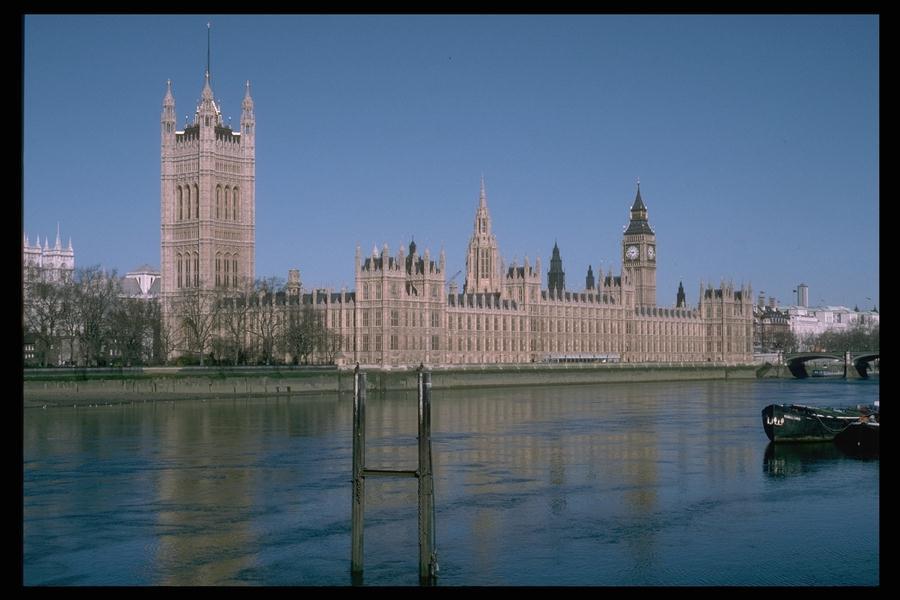 Картинка 10.  Здание парламента в Лондоне, Великобритания.